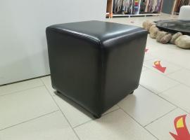 Кубик банкетка (черный)